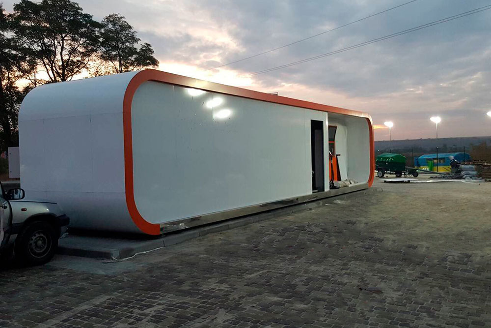 Container gas station robotanks for fuel retail - 2